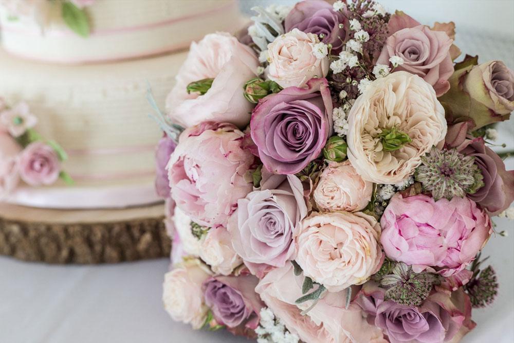 Tarnia Williams - Luxury Flowers