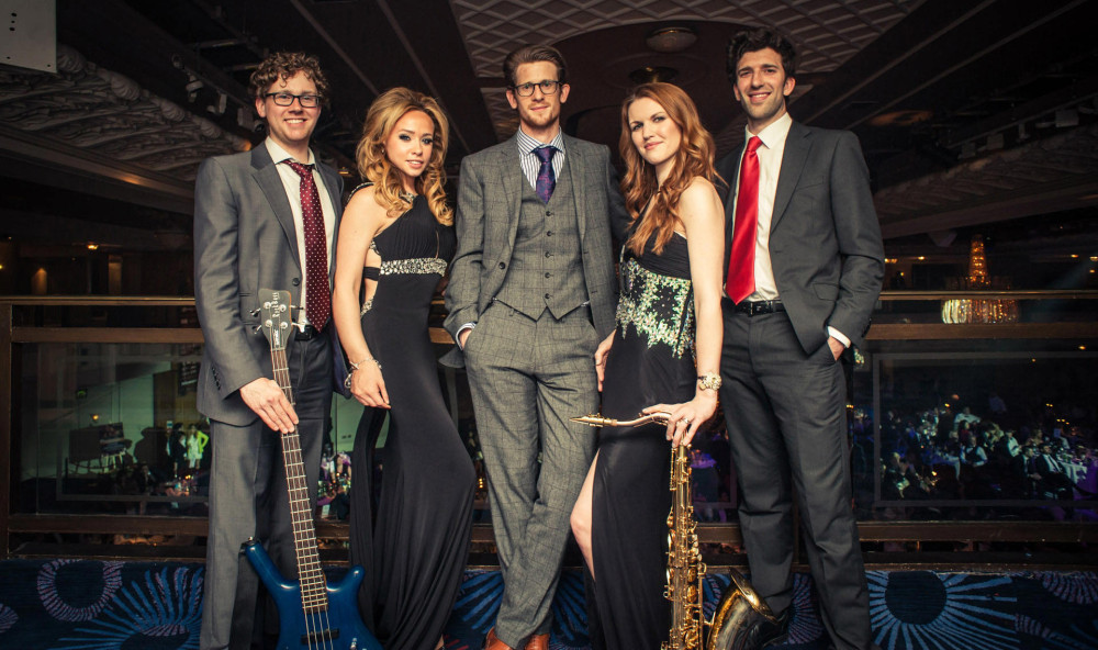 Hoot Entertainment Hire a Band for a Wedding Image 2
