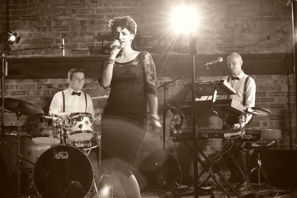 Hoot Entertainment Hire a Band for a Wedding Image 3