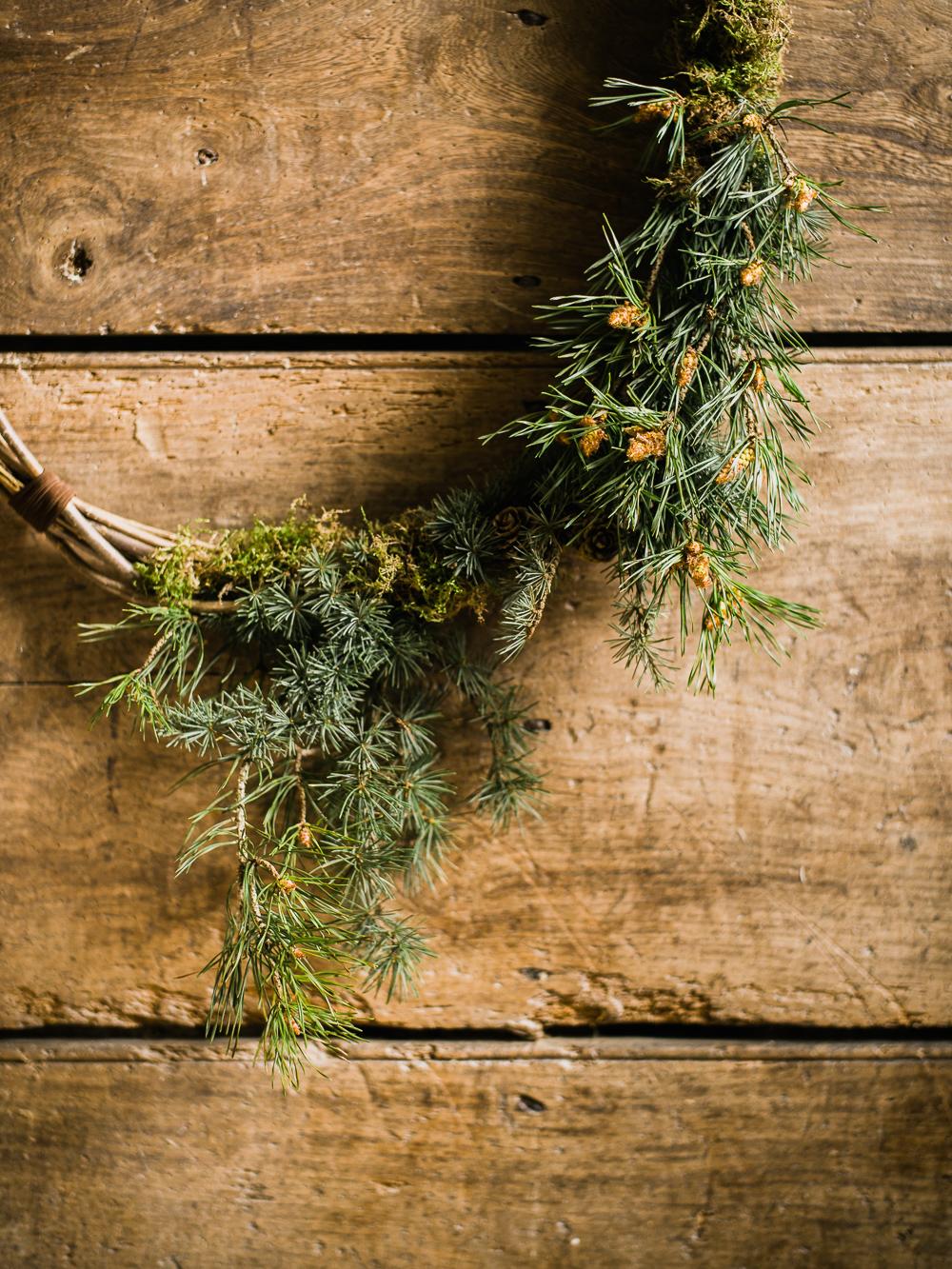 Winter Wedding Decor Minimal & Elegant Wreath